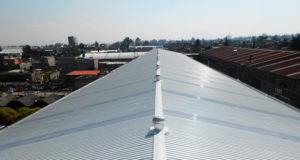 Al cuidar de su techo de multipanel favorece su inversión en construcción